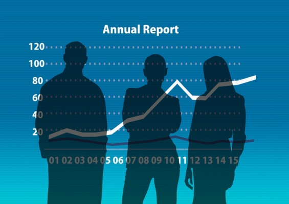 青いチャートと3人の男女の人影